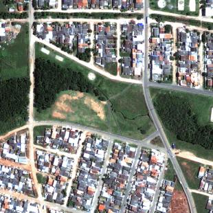 Geoeye PSM de 0.50 m de resolução, cores naturais, de área residencial em Araucária - PR