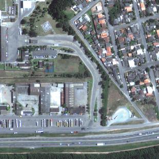 Geoeye PSM de 0.50 m de resolução, cores naturais, de rodovia e área residencial em Araucária - PR