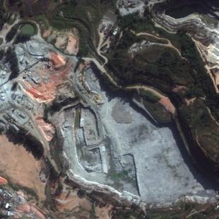 WV2  PSM de 0,50 m de resolução colorida de 2010, de uma area de mineração, para comparativo com Pleiades ao lado de 2013