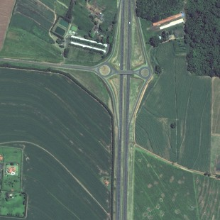 WV2 PSM de 0,50 m colorido de rodovia e área rural de Matão, SP