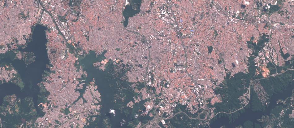 Imagem Sentinel-2 sobre o sul da cidade de São Paulo , 1:100.000, 10 m de resolução, cores naturais
