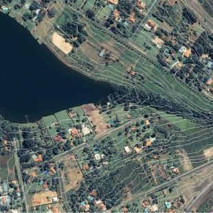 Ikonos PSM, 1 m de resolução, área residencial de Brasilia - DF com curvas de nível sobrepostas